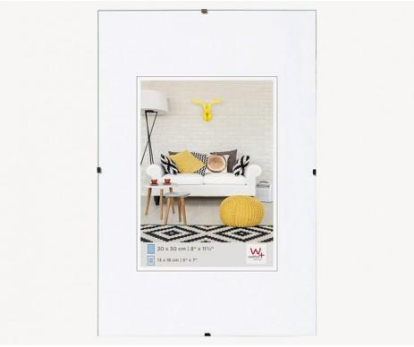 Skleněný cliprám v asi nejoblíbenějším rozměru A4, díky kterému snadno a levně zarámujete Váš obrázek, fotografii či diplom.
