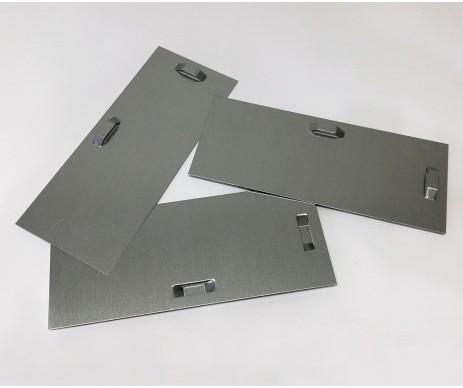 Plech pro zavěšení velkého zrcadla či obrazu na zeď v rozměru 10x24 cm